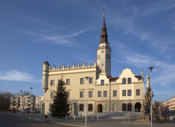 Ratusz w Głubczycach, odbudowany w 2008 roku. Fot. J.Psota